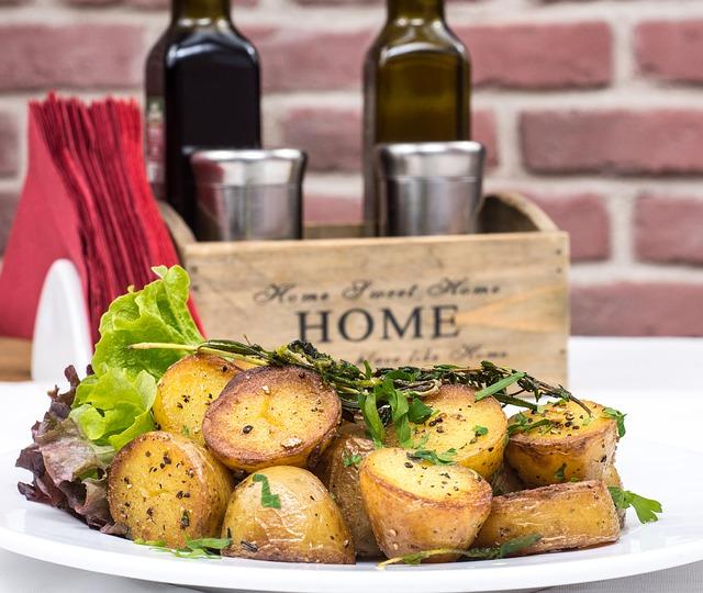 baked-potatoes-2157201_640